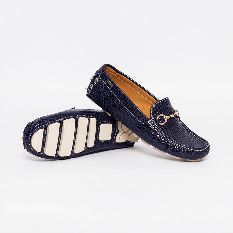 fee10664c12e5 Mocasines en charol para mujer - Zapatos y Mocasines HENDZ